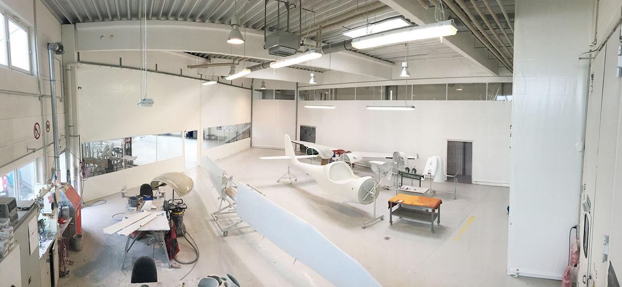 Hallenabtrennungen für den Schutz von Flugzeugen oder Produkten in der Produktion und im Lager in der Industrie und im Gewerbe