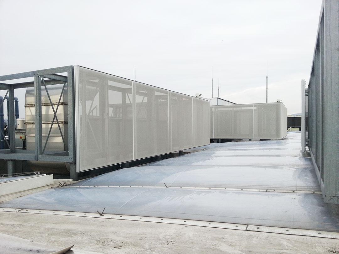 Sichtschutz für Gebäude zum Schutz von Gebäudetechnik