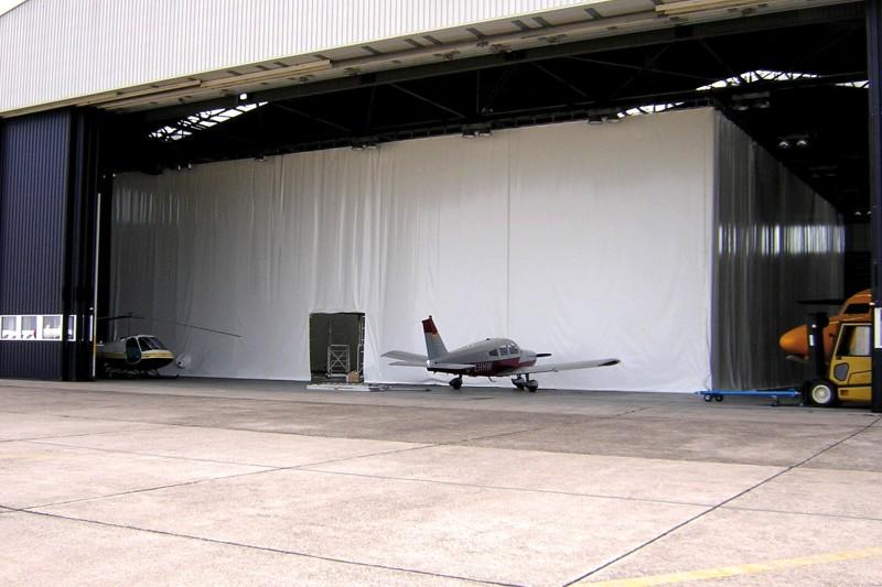 Hallenabtrennung eines Hangars und Lackiererhalle