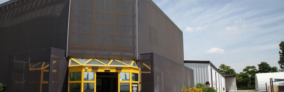 700 m² große Halle fertiggestellt: Weitere Investitionen in Maschinenpark und Software